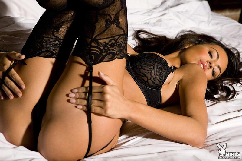 Фото девушки в секс белье