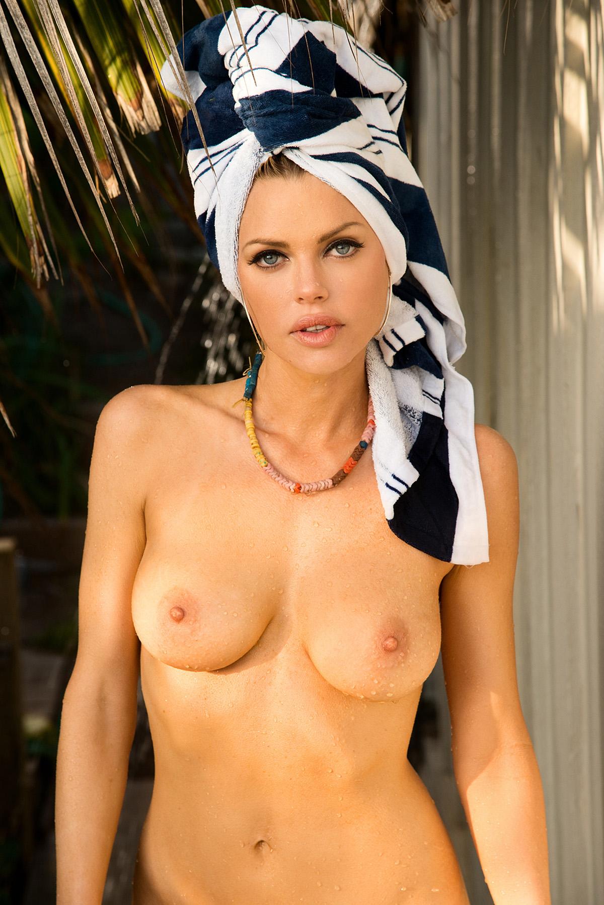 Sophie monk celebrity nude gallery